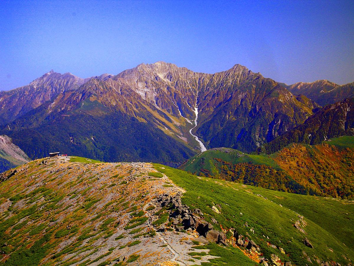 大黒岳のなだらかな山頂部