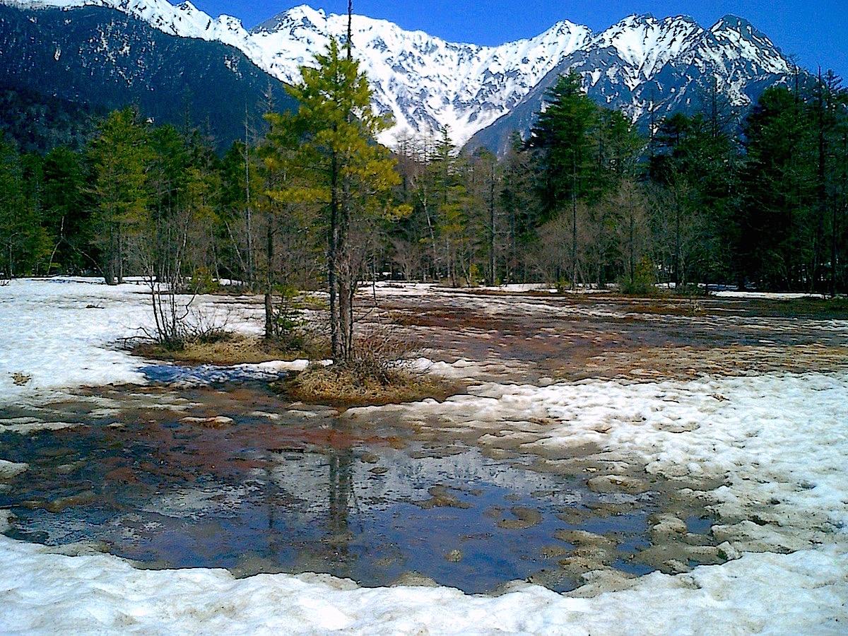 雪解けの田代池