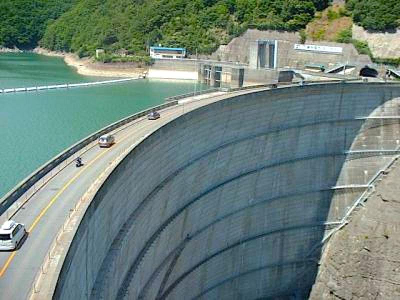 奈川渡ダム(梓湖)